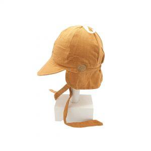 Esta gorra de bebé Sáhara calabaza de algodón y lino, es un modelo con visera blandita y solapa en la parte de detrás de la cabeza para mayor protección solar.