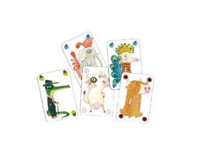 Este divertido juego de cartas Pipolo de Djeco en el que no siempre se dice la verdad. Hay 4 tipos de personajes: peludos, desnudos, con plumas y vestidos