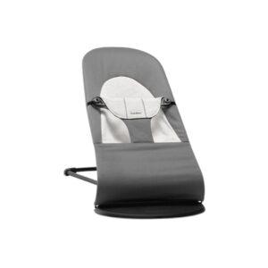 Hamaca Balance Soft Gris Oscuro Cotton Jersey de BabyBjörn. Es muy robusta, segura, bien acabada y con mucha calidad en materiales. Moderno y minimalista.